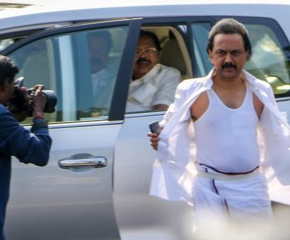 DMK takes Tamil Nadu trust vote issue to Madras high court