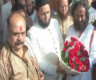Babri Masjid: Sri Sri meets AIMPLB's Khalid Rasheed