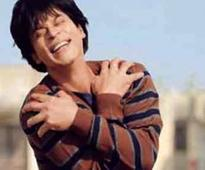 'Fan' review LIVE: 'Gripping, surreal, egotistical'; Shah Rukh Khan strikes back