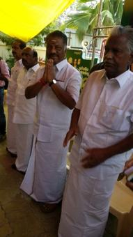 Restrain Team Sasikala from using AIADMK office: OPS camp to EC
