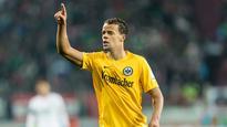 Timothy Chandler and Makoto Hasebe sign new Eintracht Frankfurt deals