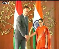 EAM Swaraj meets Hungary's Foreign Minister, expresses satisfaction at rising trade