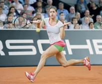 Petkovic advances in Hobart despite challenge