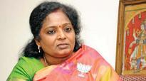 Jallikattu ban: Call off agitation, Tamilisai, Ponnar appeal to protesters