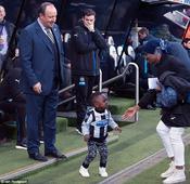Newcastle boss Rafa Benitez loses his seat to Moussa Sissoko junior ahead of Man City