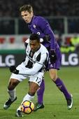 Juventus beaten as Kalinic paves way for Viola