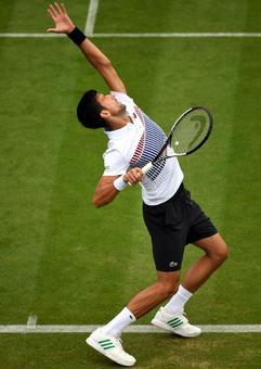 Djokovic off to winning start in Eastbourne