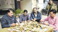 Rs3.84 crore in new notes seized by Ghaziabad police, Rs3 crore belongs to bank