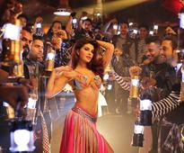 Watch Jacqueline as Mohini slaying with her sizzling dance moves in `Ek Do Teen`