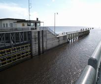 IWAI Awards Work to Construct New Navigational Lock at Farakka