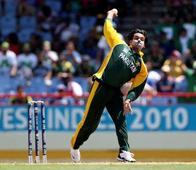 Pakistan opener Mohammed Hafeez likely to appear for bowling test