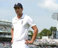 Alastair Cook not expected to give decision on Test captaincy future imminently