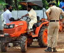 Prisoners trained in operating farm machines