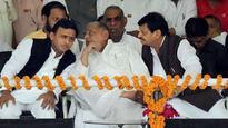 With dad Mulayam Singh Yadav by his side, has Akhilesh Yadav won Samajwadi Party battle against uncle Shivpal Yadav?