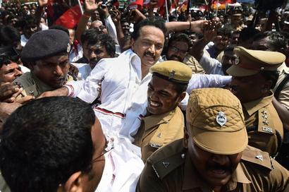 DMK wrests Cauvery initiative