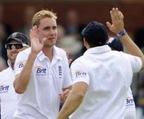 Stuart Broad salutes 'leader' James Anderson as England hammer New Zealand
