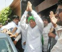 Chautala gets warm greetings from supporters