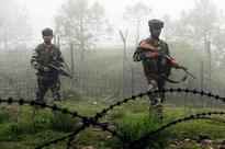 Pakistan armymen near LoC; heavy firing on Indian army posts in Kashmir, 5 jawans injured