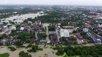 Heavy flooding in Thailand kills 14, swamps tourist isles