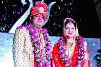 Rakesh Srivastava hosts grand wedding reception of their daughter Apoorva and son-in-law Aviral in Kanpur