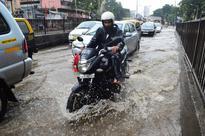 Rains lash Mumbai, IMD expects more on Saturday