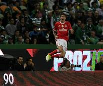 Premier League: Manchester United reach agreement to sign Benfica defender Victor Lindelof