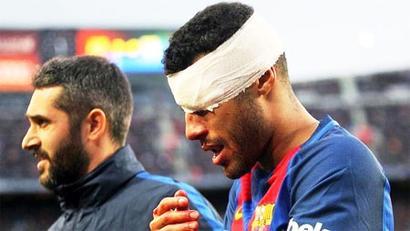Barca midfielder Rafinha breaks nose after clashing with Ter Stegen