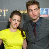 Robert Pattinson spotted leaving Kristen Stewart's house with belongings amid split reports