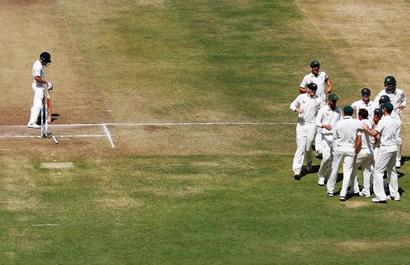 Australia commence mind games, say 'pressure is right on India'
