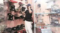 Mumbai Chor Bazaar: Antique hotspot that fascinates foreigners