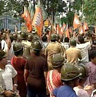 BJP protests outside Mamata's residence against attack on Roopa Ganguly