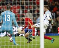 Iago Aspas, Isco scores late for Spain to deny England victory