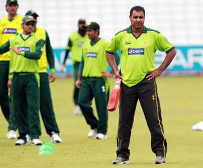 Waqar has massive ego problems; doesn't want seniors in the side: Yousuf