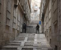 Jerusalem mayor freezes controversial road construction in Old City
