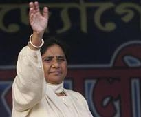 SP, BJP both insulting `Dalit ki beti': Mayawati