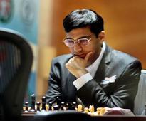Viswanathan Anand beat Veselin Topalov of Bulgaria in London Chess Classic