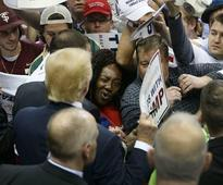 Trump supporters heckle media, calls them liars