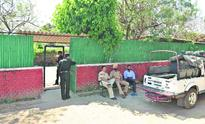 6 weeks to evict Jindal, Bhattal from govt houses
