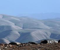 Will High Court order demolition of Beduin village built on private Jewish land?