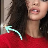 There's a Weird Photoshop Fail in Selena Gomez's New Selfie