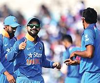 England script win in nail-biting third ODI over India