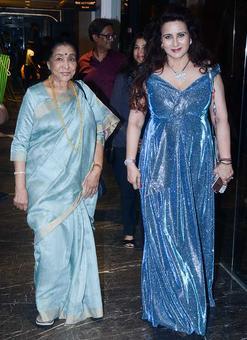 PIX: Asha Bhosle celebrates Poonam Dhillon's birthday