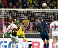 In-form Aubameyang sets sights on hapless Hanover
