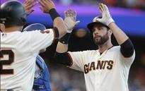 Belt homers to back Peavy; Giants edge Dodgers 2-1