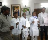 Andhra special status row: 5 YSR Cong MPs resign, sit on hunger strike