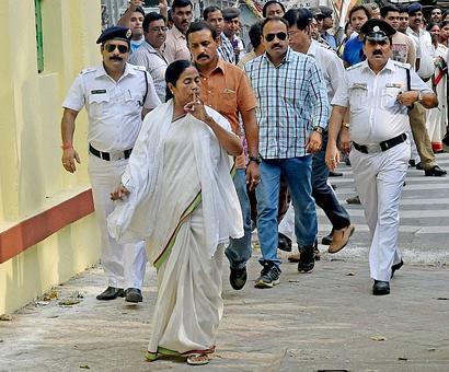 Mamata picks Red Road for coronation as CM