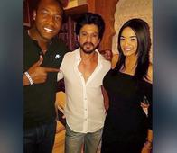 Shah Rukh Khan Bonding With Stunning WAGs of Cricketers In This Exclusive KKR Party Is What Every IPL Fan Needs To See