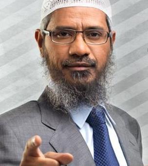Zakir Naik serves notice to Arnab Goswami, seeks Rs 500 cr damages