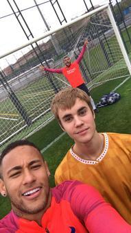 Justin Bieber trains with Neymar at FC Barcelona
