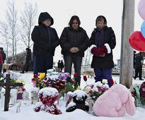 Canada's Justin Trudeau pays his respects to victims of La Loche school shooting